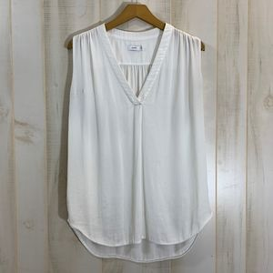 Vince White Sleeveless Top Size Medium V Neck